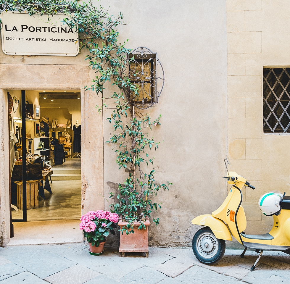 La Porticina, Pienza, Italy #Leica #leicaphotography #leicaq #travel #travelphotography #pienza #tuscany #terenceongphotography